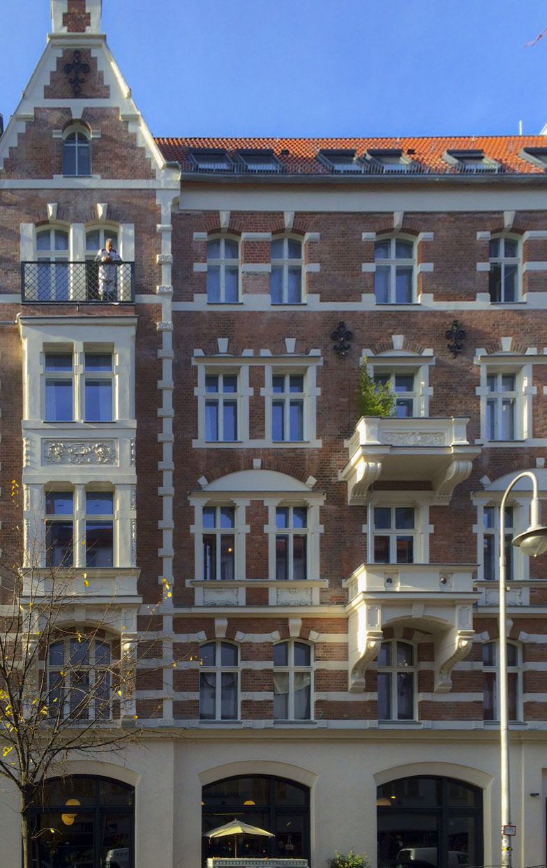 Sanierung / Umbau eines Geschäfts-und Wohngebäudes, Rosa Luxemburg Straße Berlin