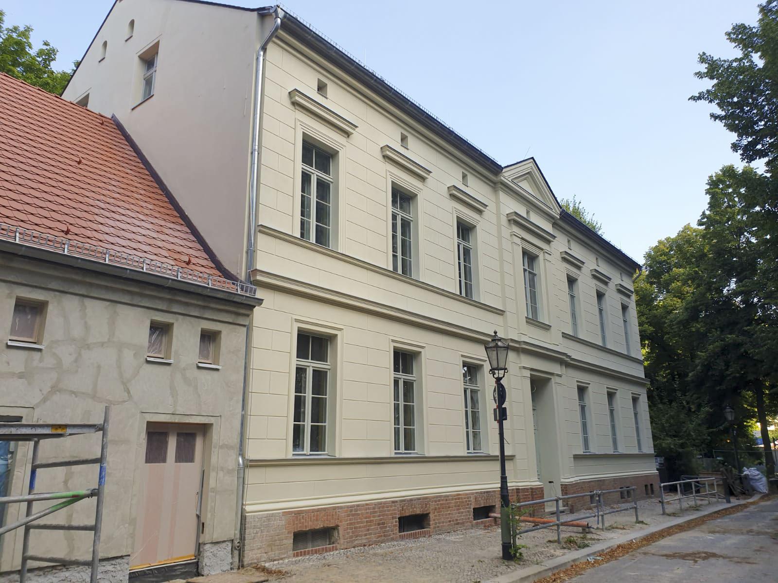 Sanierung einer denkmalgeschützten Grundschule, Backbergstraße, Berlin